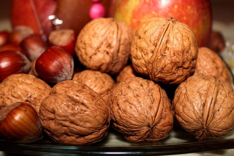 vlašské a lískové ořechy